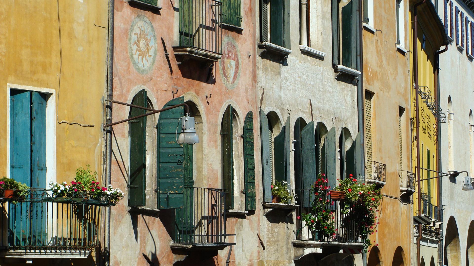 Case in via Roggia a Treviso